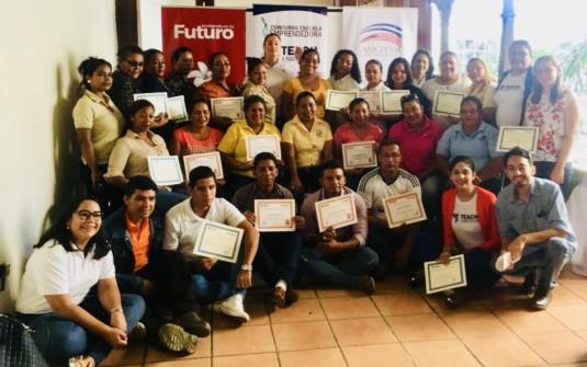 Entrega de Certificados a Escuelas y Docentes del Concurso Escuela Emprendedora del departamento de Chinandega